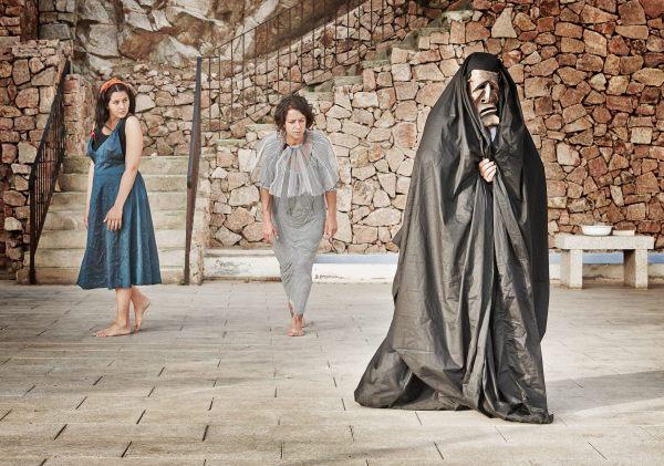 Le tre protagoniste in azione. Foto di Oliver Avellino